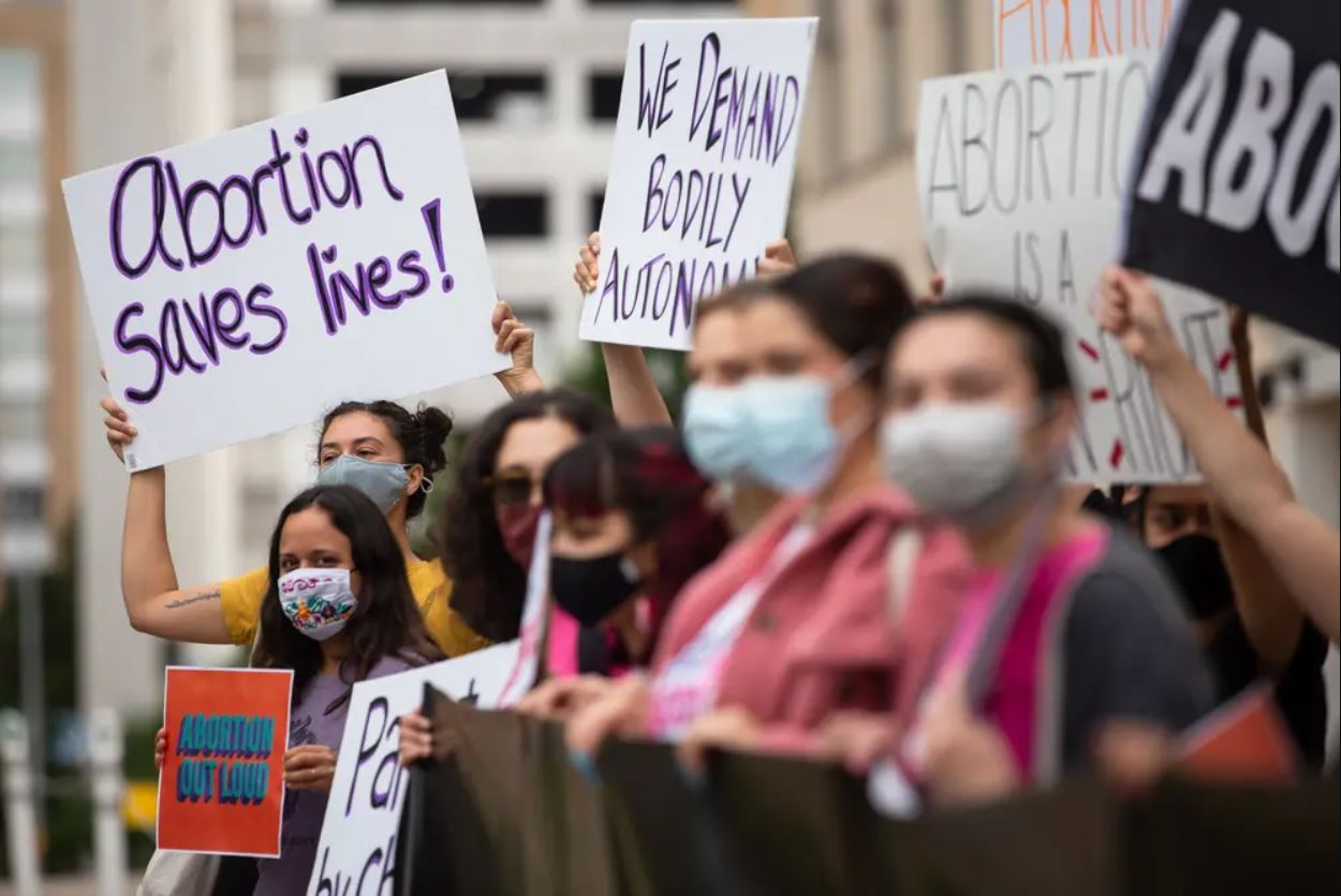 Texas Doctor Who Admitted To Violating The State's Near-Total Abortion Ban Sued Under New Law