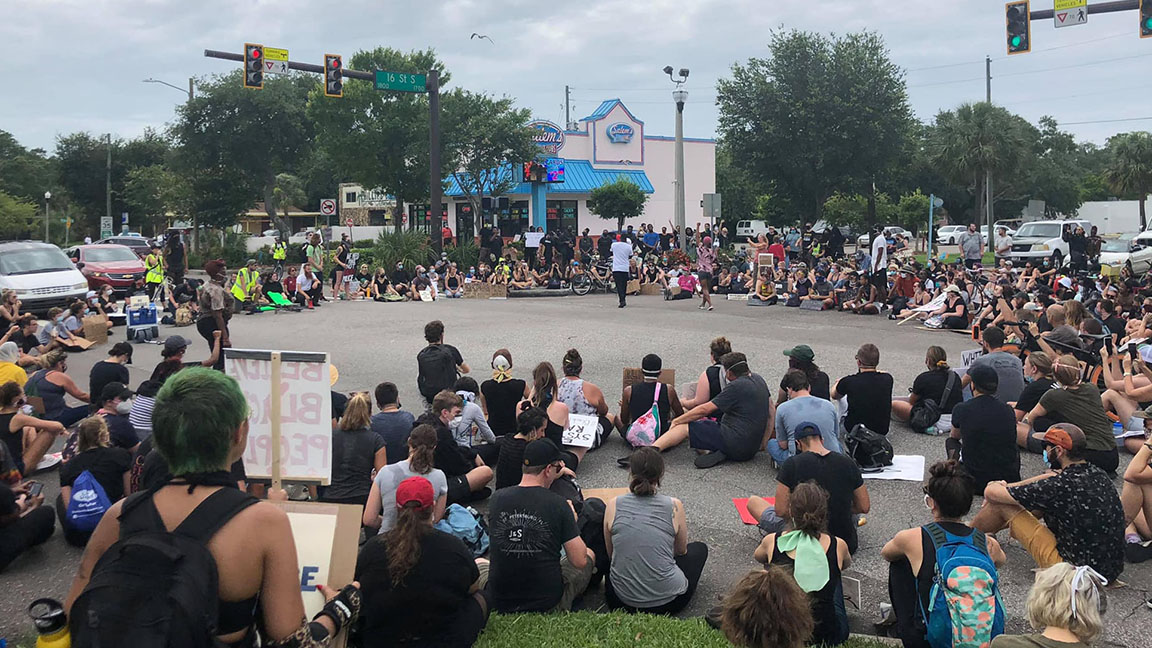 St Petersburg Police To Begin Ticketing Protesters Blocking Traffic Wusf News